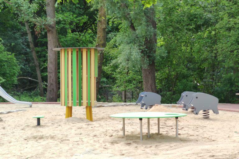 Neue Spielgeräte auf dem Waldspielplatz